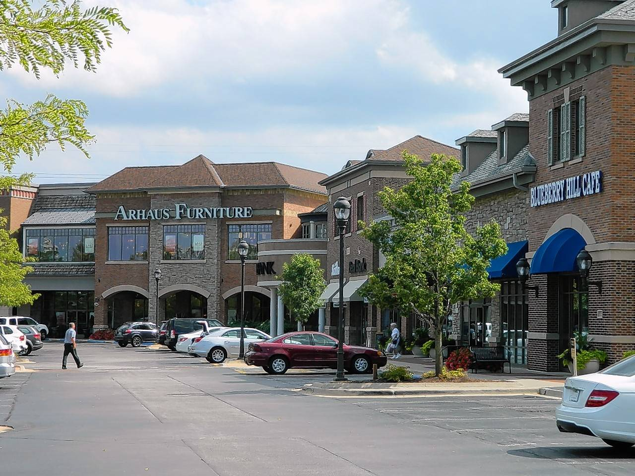 Retail Properties buys Oak Brook Promenade